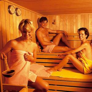 Handentspannungsmaßnahme in der Sauna